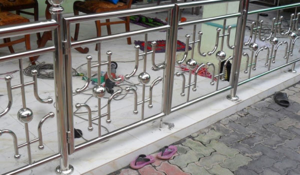 Steel Railing Design For Balcony Projects Dinuka Engineers Are Manufacurers Of High Quality - Mezzanine Furnitures